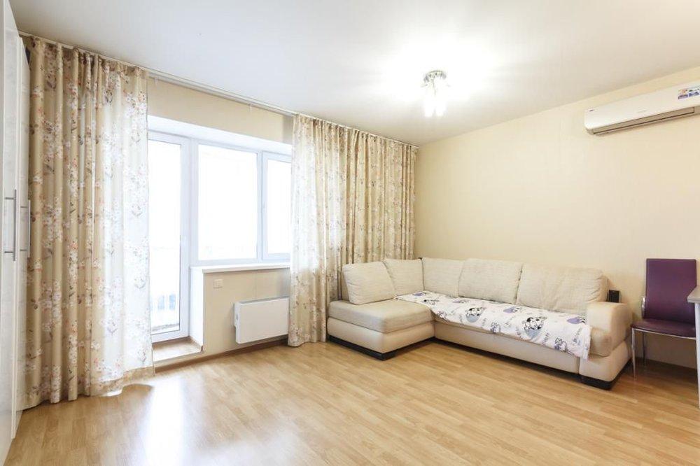 Екатеринбург, ул. Есенина, 10 (Синие Камни) - фото квартиры (1)