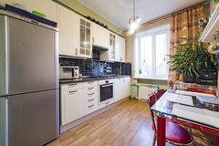 Екатеринбург, ул. 8 Марта, 179 (Автовокзал) - фото квартиры