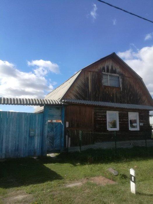 п. Ключевск, ул. Красноармейская, 6 (городской округ Березовский) - фото дома (1)