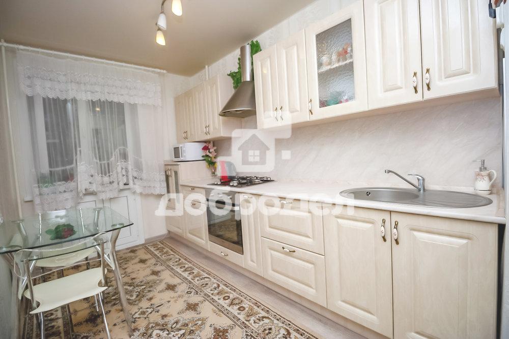 Екатеринбург, ул. Маневровая, 12 (Старая Сортировка) - фото квартиры (1)