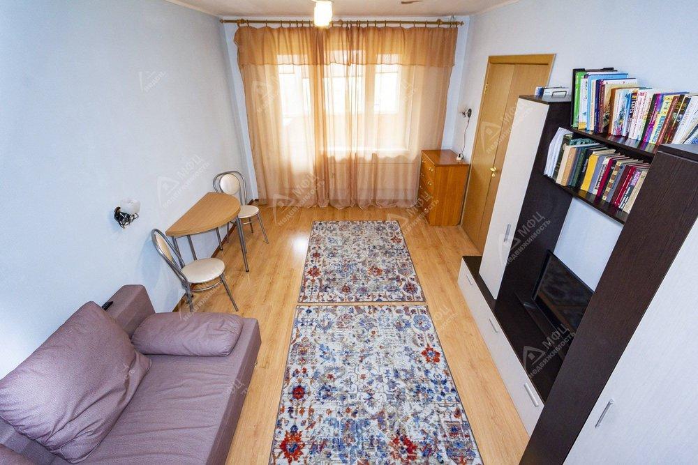 Екатеринбург, ул. б-р Сиреневый, 10 (ЖБИ) - фото квартиры (1)