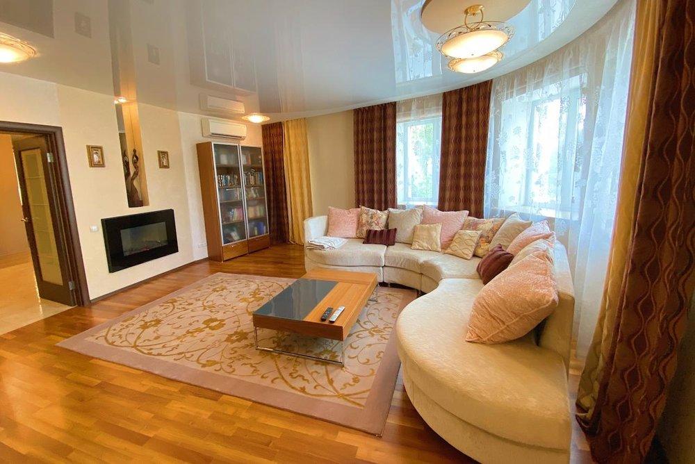 Екатеринбург, ул. Красноармейская, 62 (Центр) - фото квартиры (1)