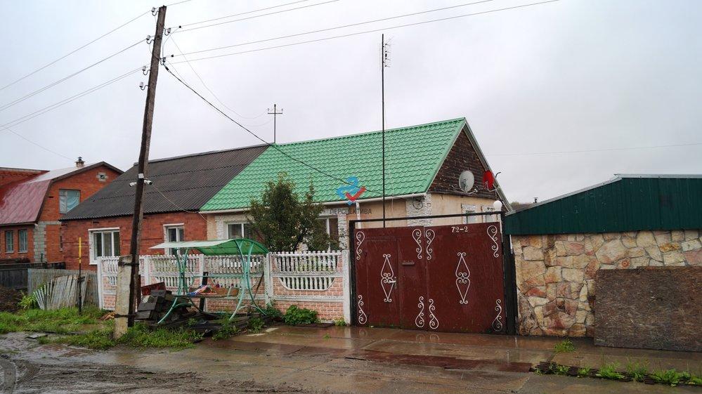 г. Ирбит, Свердловская область, г. Ирбит, ул. Добролюбова, 72 (городской округ Ирбит) - фото таунхауса (1)