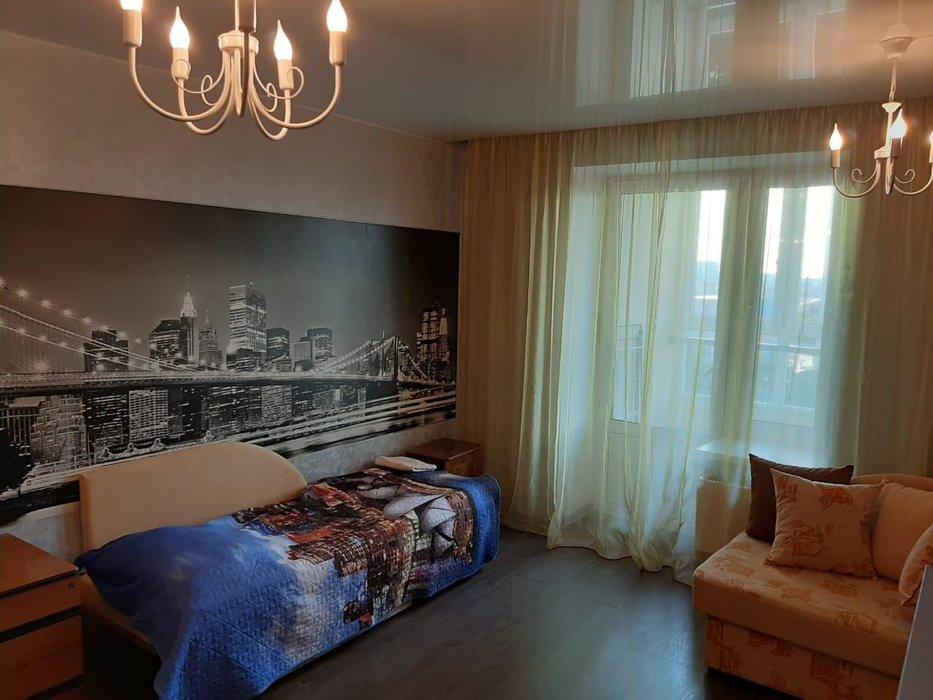 Екатеринбург, ул. Смазчиков, (Пионерский) - фото квартиры (1)