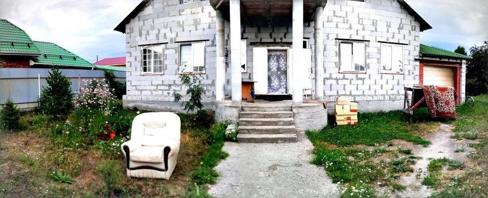г. Арамиль, ул. Прибрежный, 11 (городской округ Арамильский) - фото коттеджа (1)