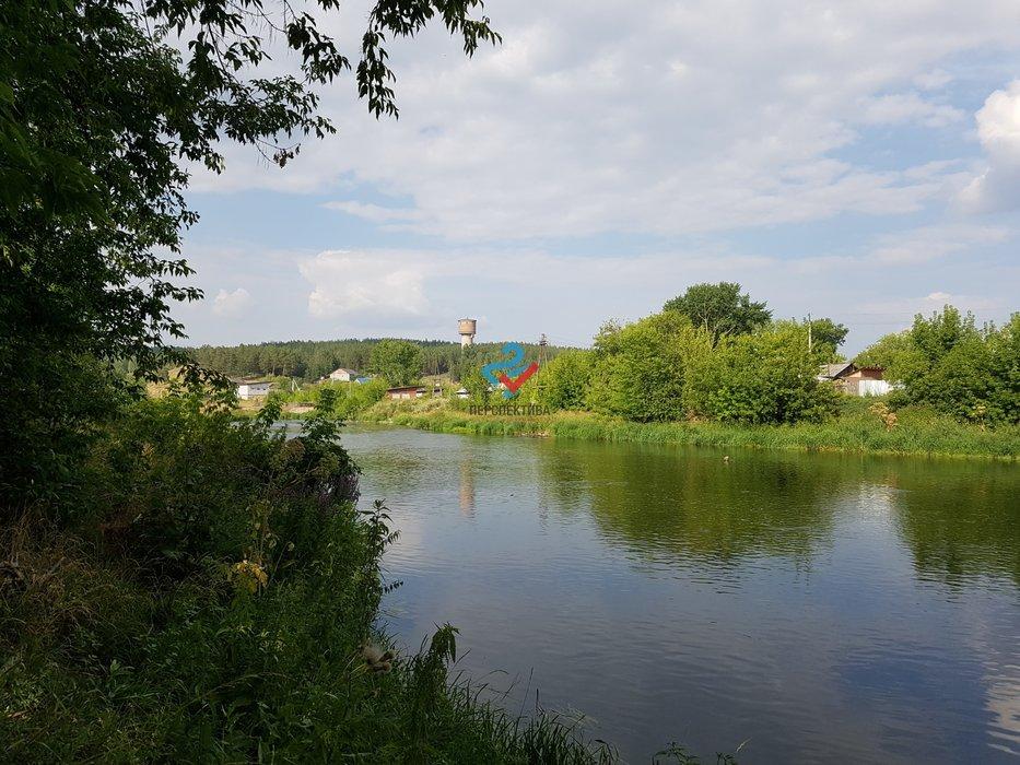 п. Двуреченск, ул. Набережная, 13А (городской округ Сысертский) - фото земельного участка (1)