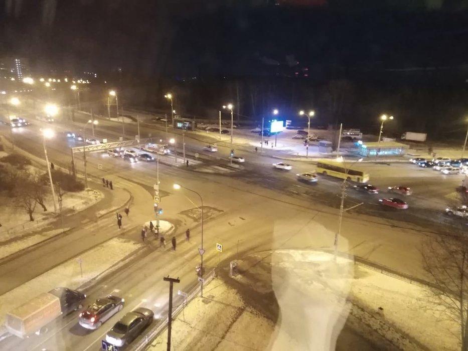 Екатеринбург, ул. Баумана, 1 (Эльмаш) - фото комнаты (1)