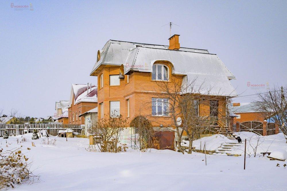 г. Арамиль, ул. Есенина, 30 (городской округ Арамильский) - фото коттеджа (1)