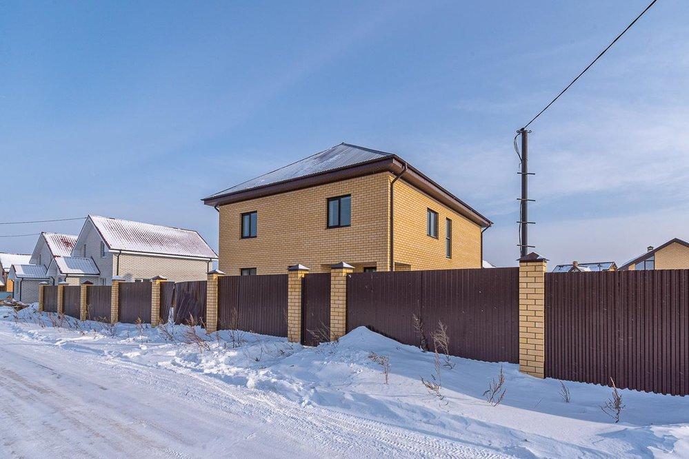 п. Прохладный, ул. Ахматовой, 4 (городской округ Белоярский) - фото коттеджа (1)