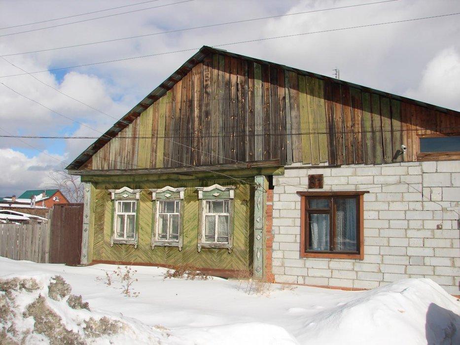 г. Арамиль, ул. Октябрьская, 81 (городской округ Арамильский) - фото дома (1)