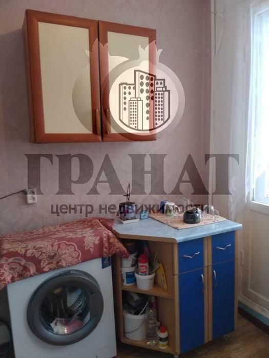Екатеринбург, ул. Сибирский, 21 (Шарташский рынок) - фото комнаты (1)