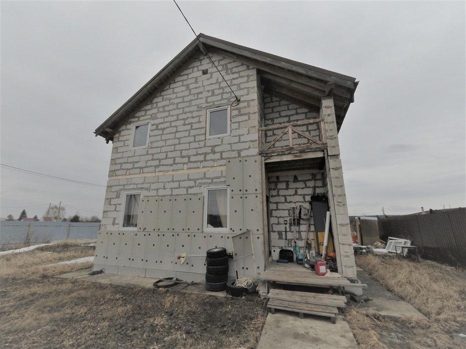 п. Бобровский, ул. Бусыгина, 1 (городской округ Сысертский) - фото дома (1)