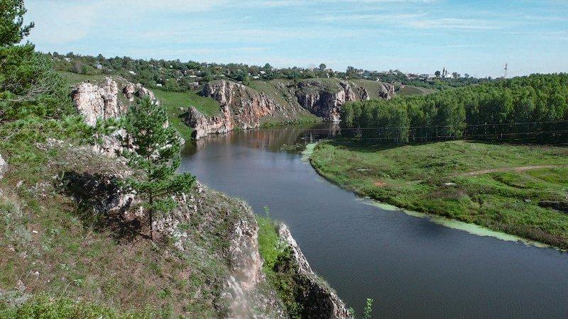 п. Исеть, ул. Горняков , 2 (городской округ Верхняя Пышма) - фото земельного участка (1)