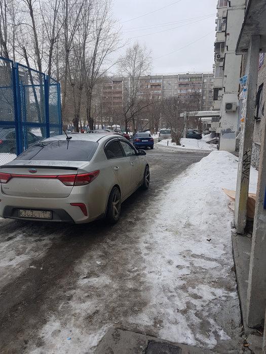 Екатеринбург, ул. Машинная, 42, корп.3 (Автовокзал) - фото комнаты (1)