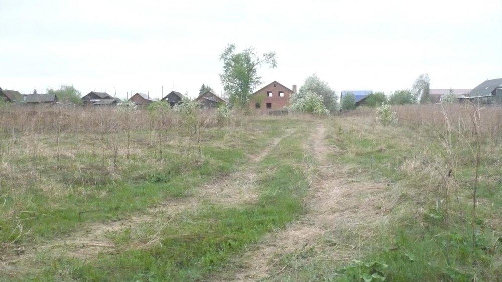п. Первомайский (г.о. Сысертский), ул. Полевая, 10 (городской округ Сысертский) - фото земельного участка (1)