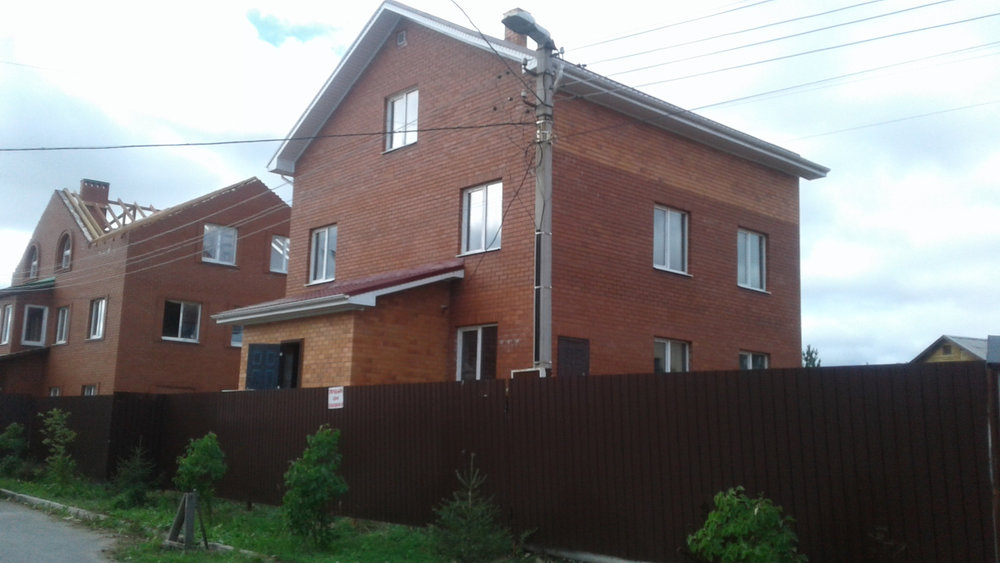 Екатеринбург, ул. Голубичная, 48 (Широкая речка) - фото дома (1)