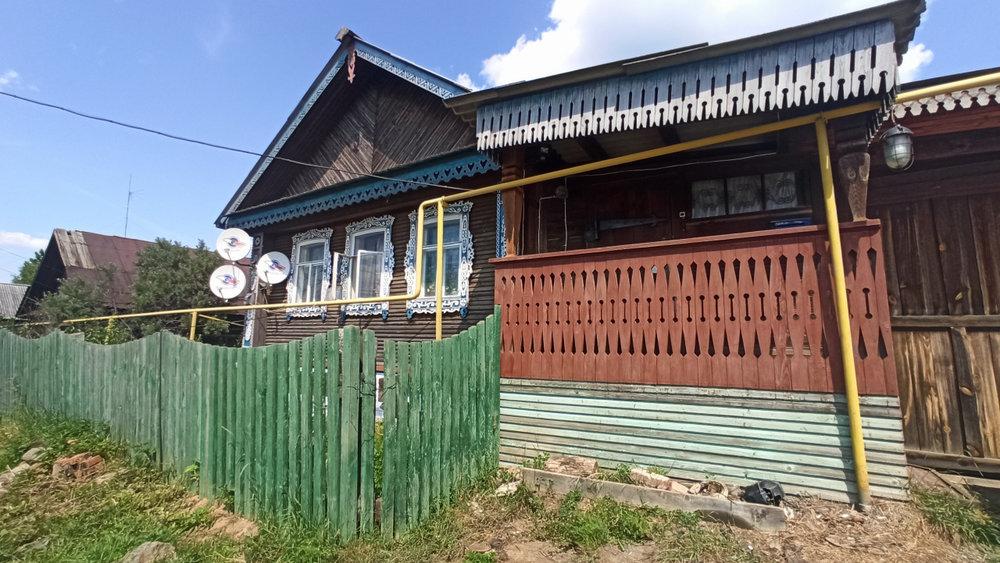 г. Ревда, ул. Октябрьская,   (городской округ Ревда) - фото дома (1)