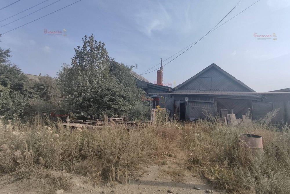 г. Ревда, ул. Нахимова,   (городской округ Ревда) - фото дома (1)