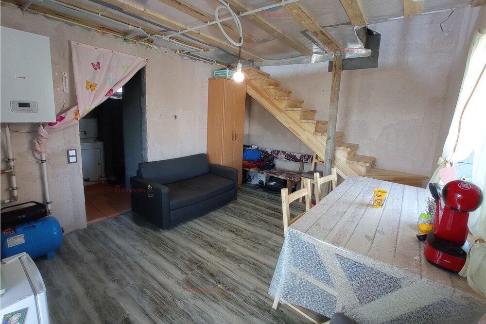 п. Становая, ул. Сапфировая, 6 (городской округ Березовский) - фото дома (4)