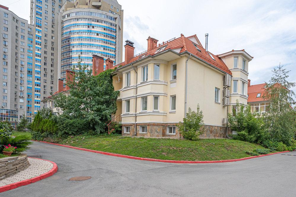Екатеринбург, ул. Луначарского, 240/11 (Парковый) - фото таунхауса (2)