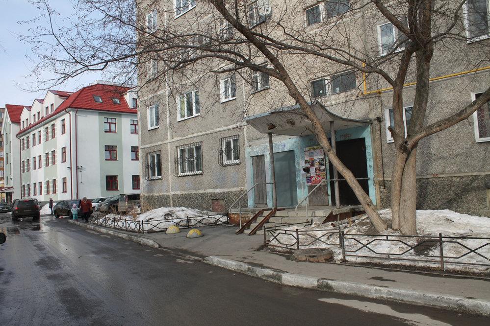 Екатеринбург, ул. Рассветная, 3 (ЖБИ) - фото комнаты (7)