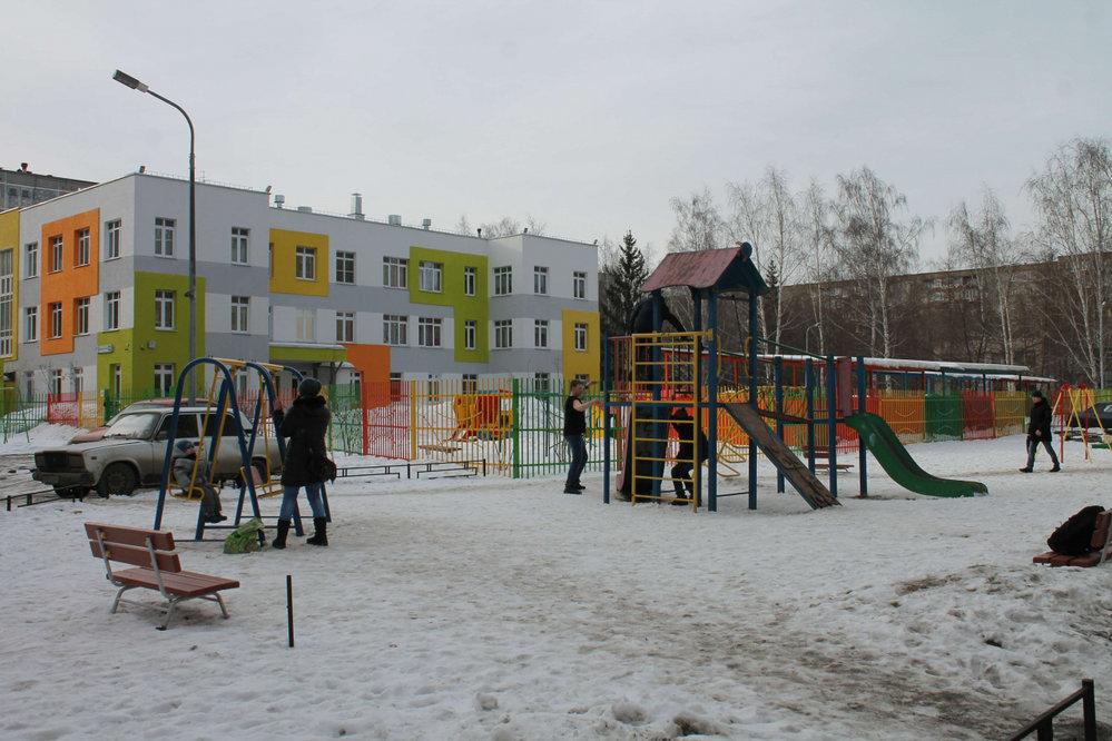 Екатеринбург, ул. Рассветная, 3 (ЖБИ) - фото комнаты (8)