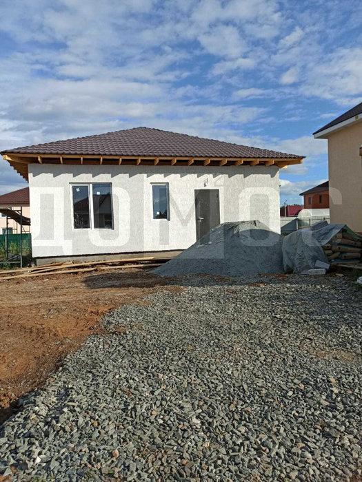 п. Прохладный, ул. Фианитовая, 4 (городской округ Белоярский) - фото дома (1)