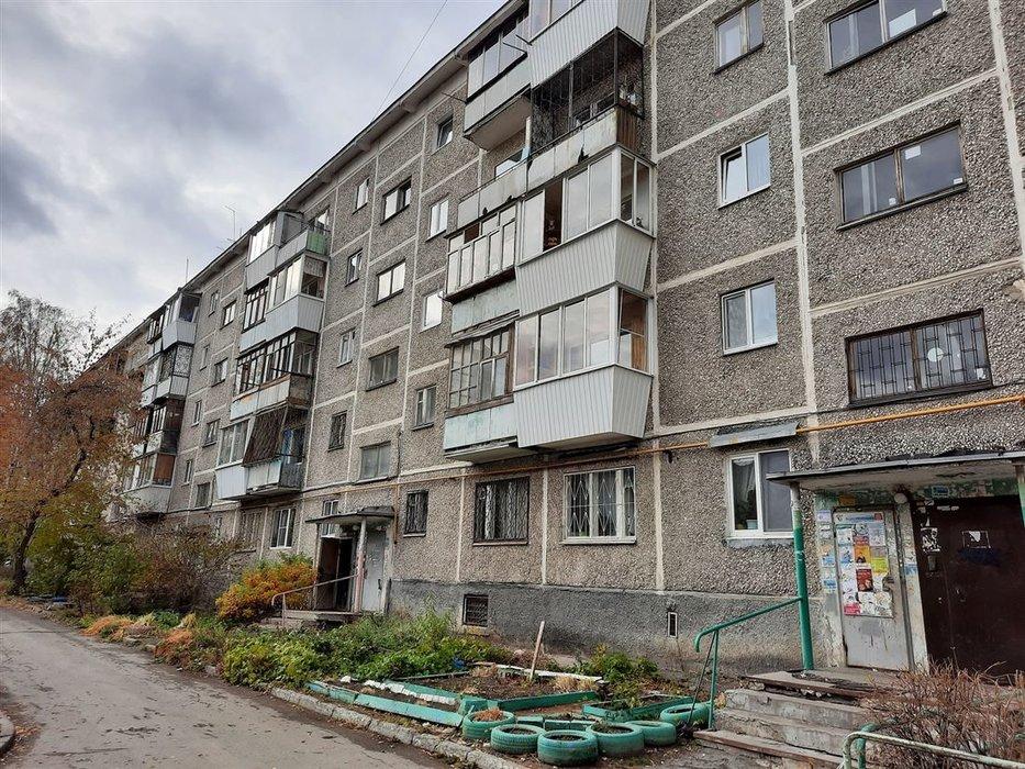 Екатеринбург, ул. Токарей, 50 к 3 (ВИЗ) - фото комнаты (1)