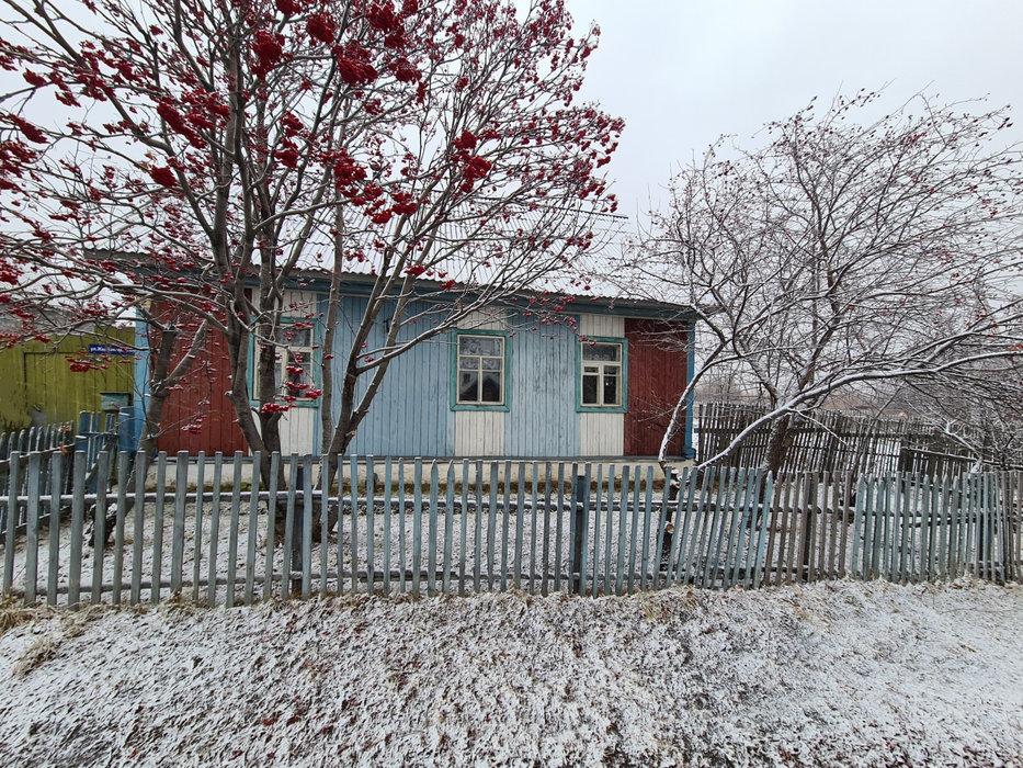 г. Краснотурьинск, ул. Железнодорожная,   (городской округ Краснотурьинск) - фото дома (1)