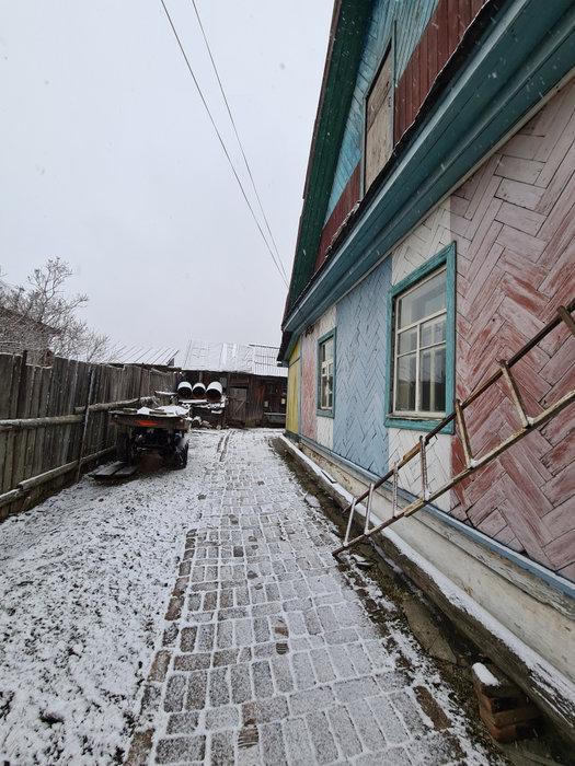г. Краснотурьинск, ул. Железнодорожная,   (городской округ Краснотурьинск) - фото дома (2)