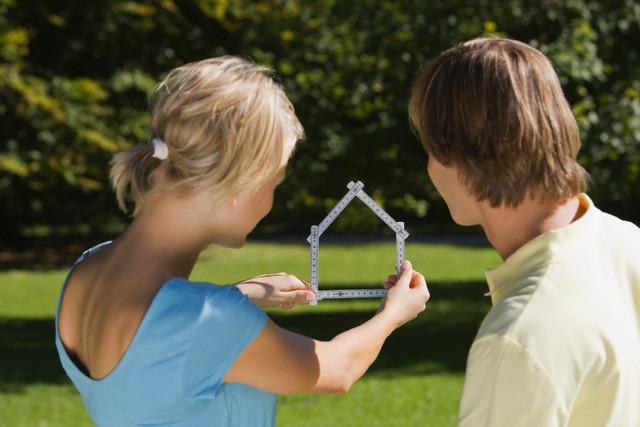 Можно ли в СНТ построить дом для постоянного проживания по закону в 2019 году?